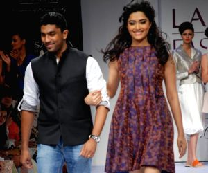 Anand Kabra's amazing asymmetric feminine collection for Spring/Summer 2010 created magic at lakme fashion week.
