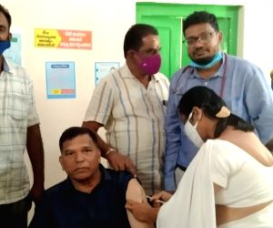 Andhra cops start receiving Covid vaccine shots
