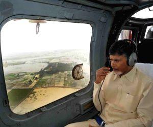 Andhra Pradesh:  Chandrababu Naidu conducts aerial survey of flood affected areas of  Andhra