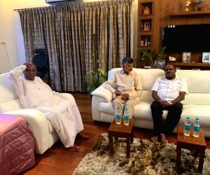 Andhra Pradesh Chief Minister and Telugu Desam Party (TDP) supremo N. Chandrababu Naidu meets Janata Dal-Secular (JD-S) supremo H.D. Deve Gowda and Karnataka Chief Minister H.D. ...