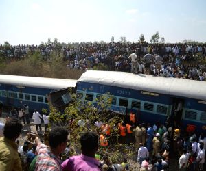 Train derails near Bengaluru, 12 dead