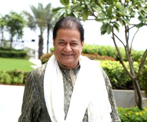 Talat Aziz, Anup Jalota told to cancel foreign shows with Pak actors