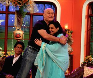 Dilwale Dulhania Le Jayenge 1000 weeks completion special episode shoot on Comedy Nights With Kapil