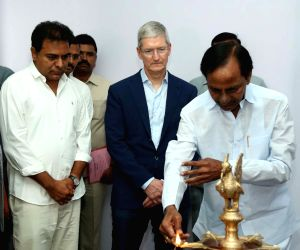 Tim Cook and K. Chandrashekar Rao inaugurating technology centre