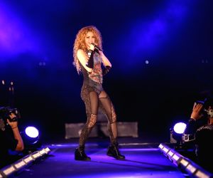 LEBANON ARIZ SHAKIRA PERFORMANCE