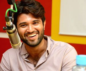 Arjun Reddy 1st Song Launch at Radio Mirchi