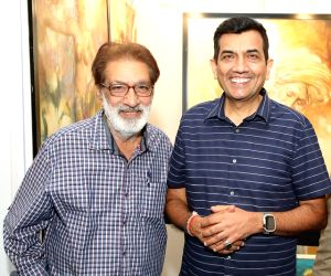 Aditi Rao Hydari admires paintings at India Art Festival