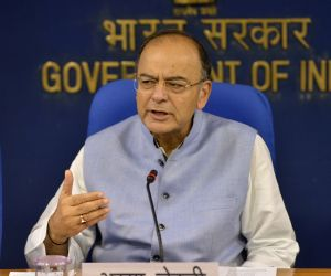 Forex reserves comfortable to counter rupee fall: Jaitley