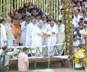 Vajpayee's ashes immersed in Ganga