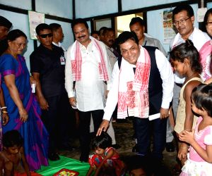 Sonowal visits a relief camp