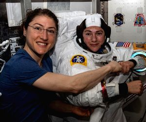 Astronauts Chrstina Koch (left) and Jessica Meir ahead of their first spacewalk together. (Photo: NASA)