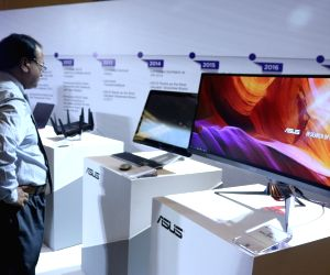 Asus gadgets on display at a demo zone