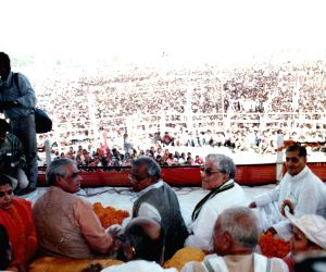 Vajpayee was people's leader who ruled minds: Joshi
