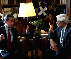 GREECE ATHENS CHINESE FM MEETING