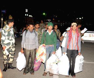 Pakistan releases Indian prisoners
