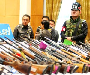Thai Army display 1500 weapons which were confiscated