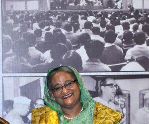 Sheikh Hasina visits Netaji's house