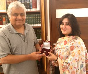 Bansuri calls on Harish Salve to present the One Rupee coin that her mother Former External Affairs Minister Sushma Swaraj had left as his fees for Kulbhushan Jadhav's case.
