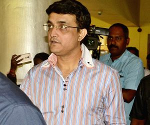 Sourav Ganguly arrives to meet Rahul Dravid