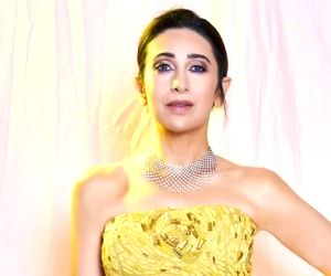 Karisma Kapoor pledges support to fight against coronavirus