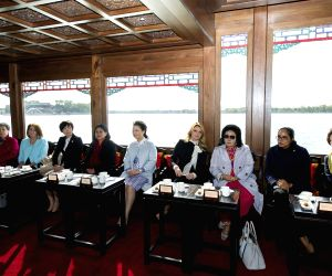 Beijing (China): Chinese President Xi Jinping's wife Peng Liyuan invited the wives of some leaders and representatives at Summer Palace