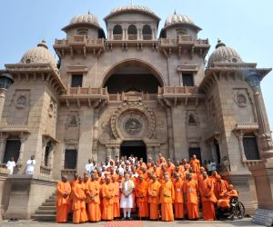 Belur Math: PM Modi visits Ramakrishna Mission