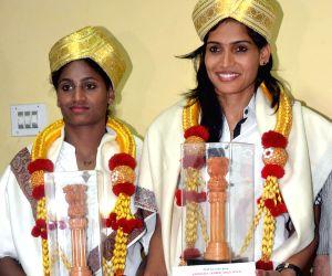 Karnataka Olympic Association felicitates gold medalist Kabaddi players