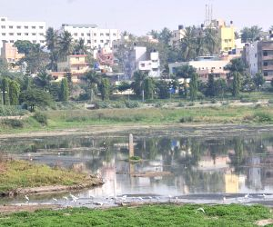 Bangalore Mayor inspects Kempambudi Lake