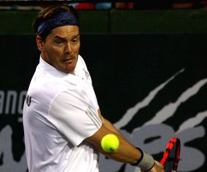 Champions Tennis League - Thomas Enqvist v/s Pat Cash