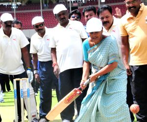 Mayor at the inauguration of Mayor's Cup cricket match