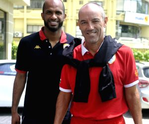 Press conference - Ali Al Habsi, Paul Le Guen