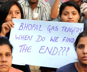 Bengaluru Solidarity Group demonstration on 30th anniversary of Bhopal gas tragedy
