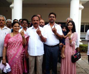 Bengaluru North Loka Sabha candidate of BJP, DV Sadananda Gowda and his family cast their votes