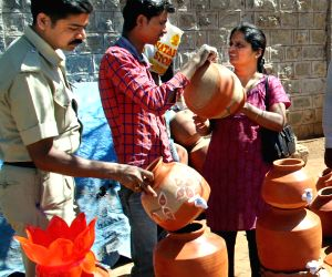 People buy earthen pots ahead of summers