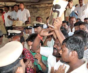 Karnataka CM visits Victoria Hospital to pay tribute to Karnataka IAS officer