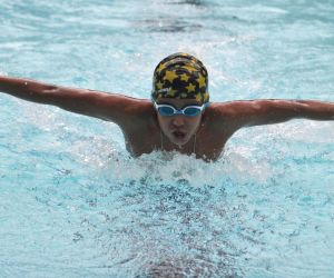 Sohan Ganguly sets new swimming record
