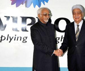 Hamid Ansari with Azim Premji during a programme