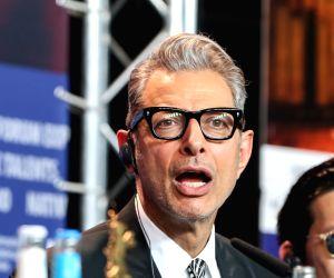 Jeff Goldblum's London statue marks 25 years of 'Jurassic Park'