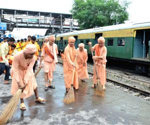 Bharat Sevashram's - Clean India Campaign