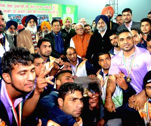Union Sports, Haryana CM and Punjab CM with Indian Kabbaddi team