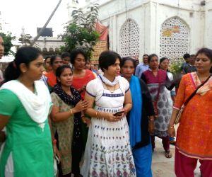 Bhumata Brigade president Trupti Desai in Haji Ali Dargah