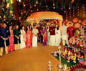 Free Photo:  :  Big B attends Navratri Pooja hosted by Kalyanaraman family