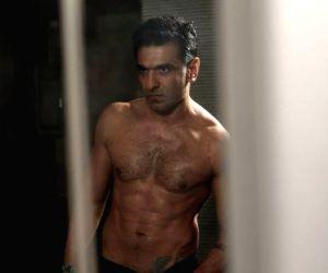 Bigg Boss 14: Eijaz Khan's past 'kaand' draws Salman's attention