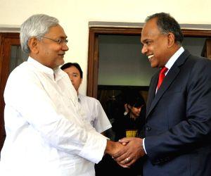 Nitish Kumar meets with K Shanmugam at Patna