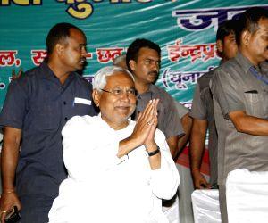 Delhi MCD Polls - Nitish Kumar during a JD (U) roadshow