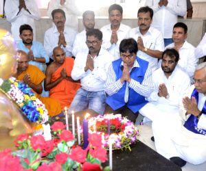 Nitish Kumar pays tribute to Ambedkar