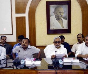 Nitish takes stock of Bihar's preparedness to deal with natural calamity