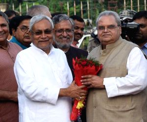 Nitish Kumar welcomes new Bihar Governor