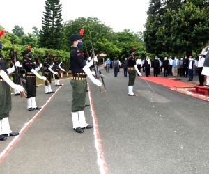 Nitish Kumar hoists tricolor at his residence on 74th Independence Day