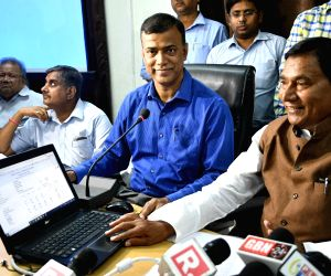 BSEB Chairman and Bihar Education Minister's press conference